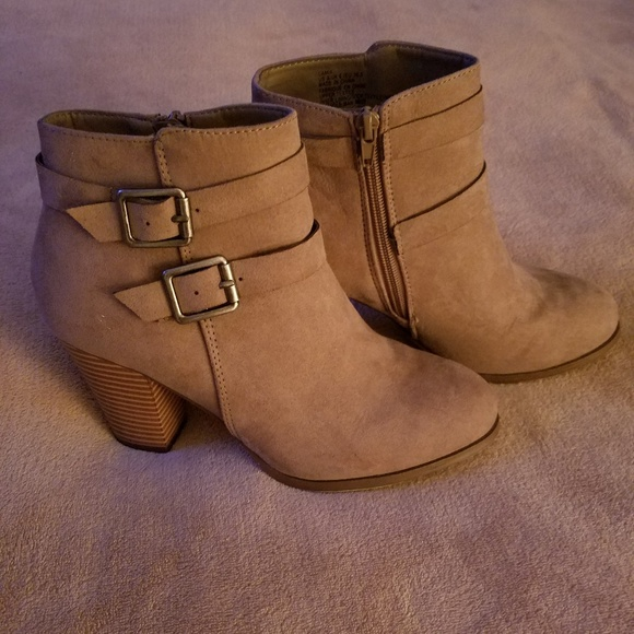 JustFab Shoes - Barely Worn Justfab Ankle Booties